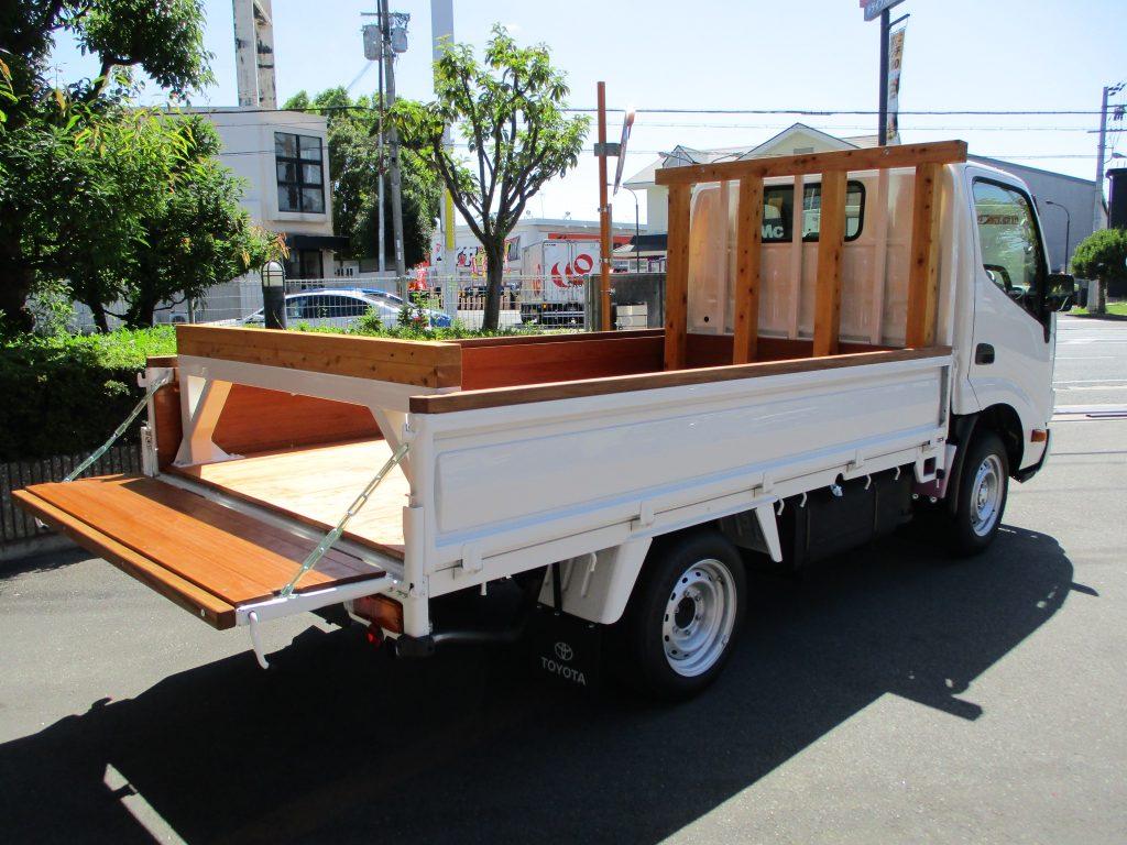 荷台補強工作(木工)